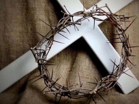 Igreja-Principal-cruz_coroa_espinhossite