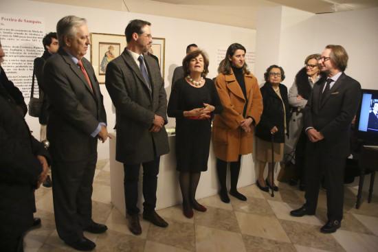 EMbaixador do Brasil, o assessor da Secretária de Estado da Cultura, a directora da Casa-Museu, a comissária da exposição, e os colecionadores.