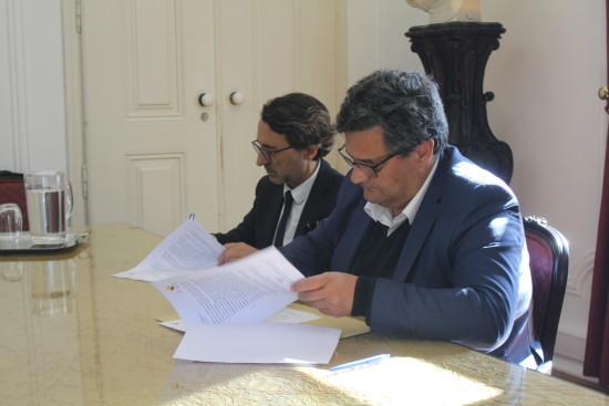assinatura protocolo centro hospitar e camara (2)